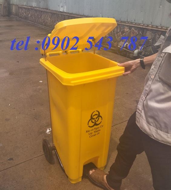 Thùng rác y tế đạp chân màu vàng 240 lít