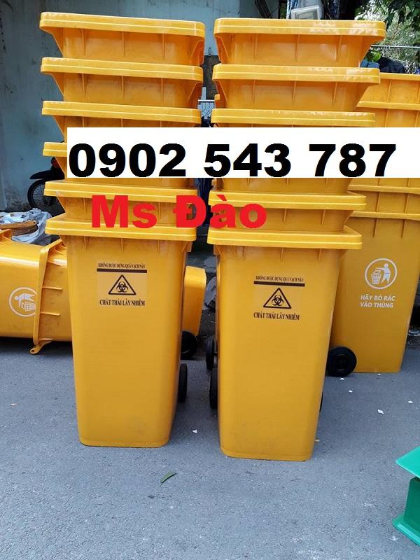 Thùng đựng rác y tế đựng chất thải có nguy cơ chứa Sars -Cov2