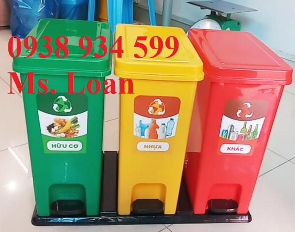 Thùng phân loại rác 3 ngăn đạp chân